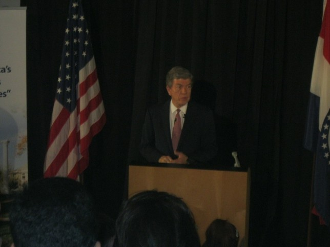Roy Blunt gives keynote in CSC lecture hall. PHOTO BY MATT MCCORMACK.